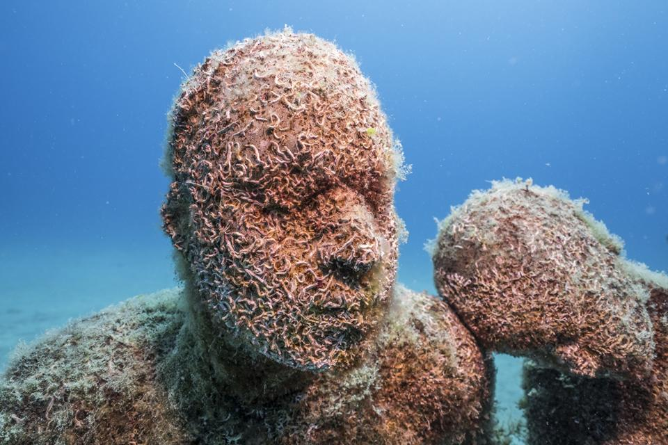 Museo-Atlantico_Lanzarote_Lampedusa_growth_03084_Jason-deCaires-Taylor_Sculpture